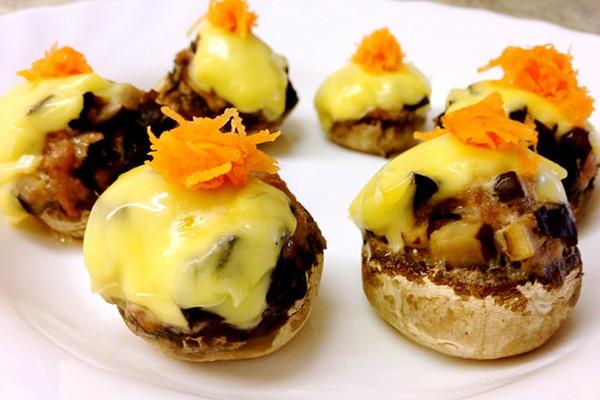 蘑菇塞肉的做法