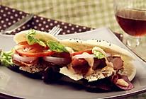 鸡肉培根三明治的做法