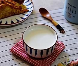 孩子的营养早餐~松仁麦片豆奶的做法