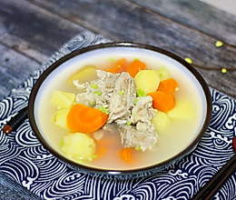 胡萝卜土豆排骨汤的做法
