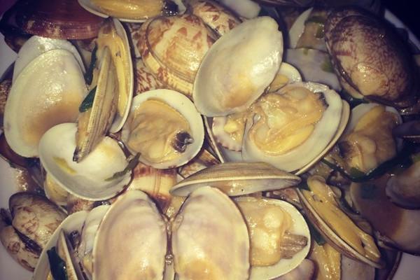 姜葱爆炒花蛤的做法