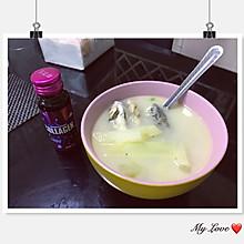 奶白色的鲫鱼汤