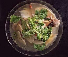 鸡腿菇鸡腿汤的做法