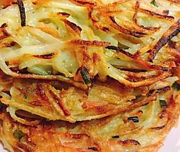 #换着花样吃早餐#给肉都不换的胡萝卜土豆丝饼的做法