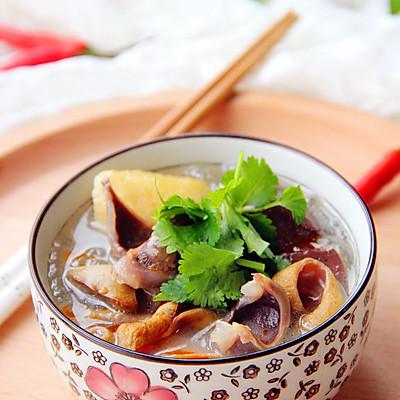 一碗回味久久的·鸭血粉丝汤·