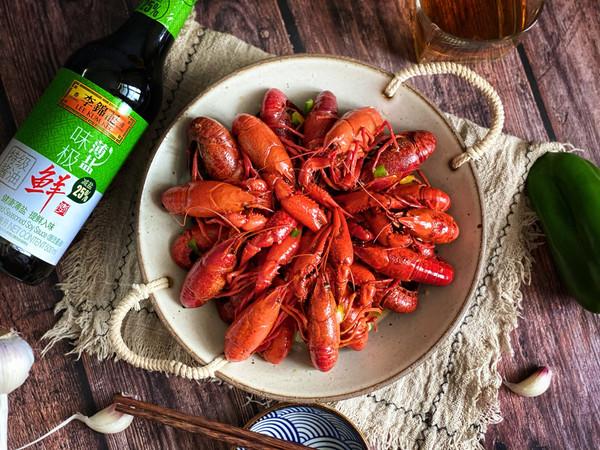 母亲节和妈妈一起吃清蒸小龙虾