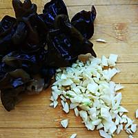 药食同补—清热解毒—蒜蓉木耳炒穿心莲的做法图解1