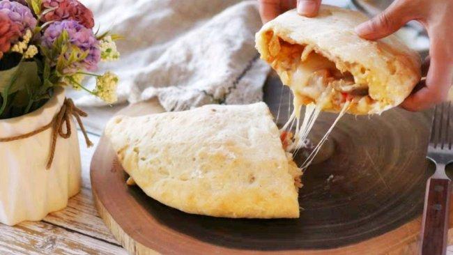 """#2021趣味披萨组——芝香""""食""""趣#奥尔良鸡腿饺子披萨的做法"""