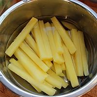 奶香味炸薯条的做法图解1