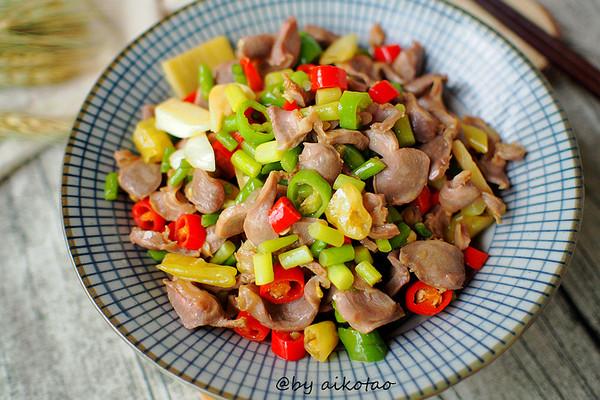 湖南|下饭菜|酸辣鸡杂#蔚爱边吃边旅行#的做法