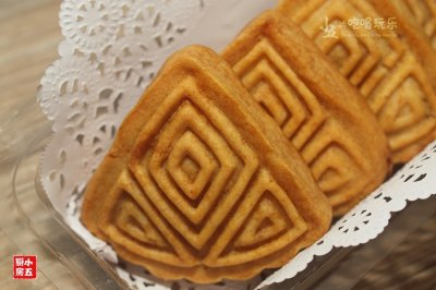 广式莲蓉月饼:传统的月饼传统的味道