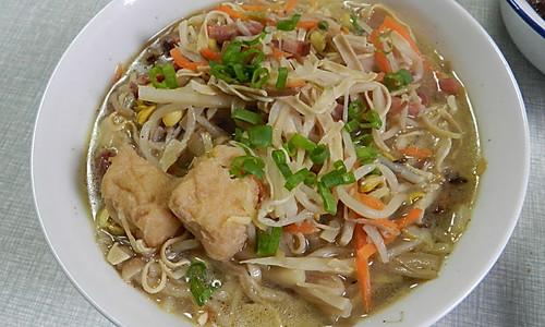 金菇豆芽干丝烩油豆腐的做法