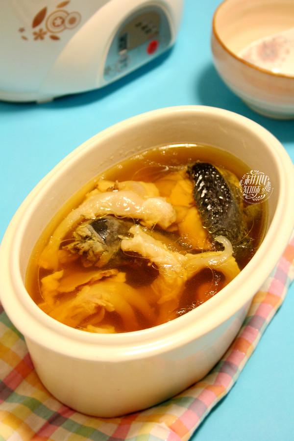 红参猪蹄筋炖乌鸡汤的做法