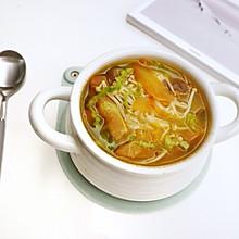 西红柿金针菇肥牛汤