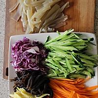 #硬核菜谱制作人# 五彩大拉皮的做法图解5