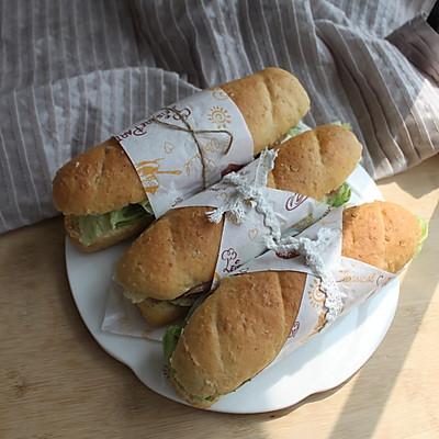 春游正当时—美味的鸡肉三明治
