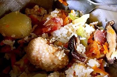 香菇鸡肉青椒腊肠焖饭