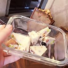 果缤纷士力架酸奶块