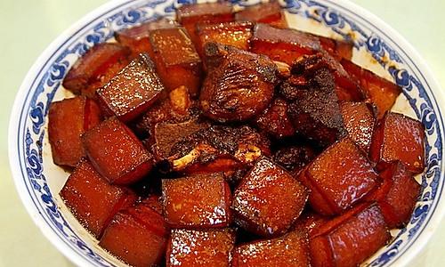 将诱惑进行到底 砂锅红烧肉的做法
