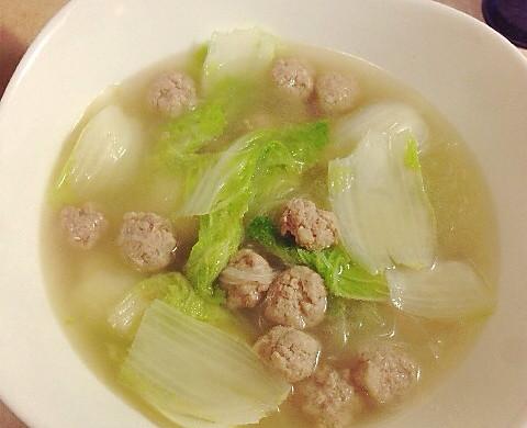 小肉丸白菜粉丝汤