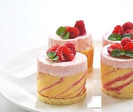 (视频菜谱)树莓慕斯蛋糕 的做法