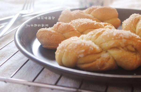 麻花扭面包的做法