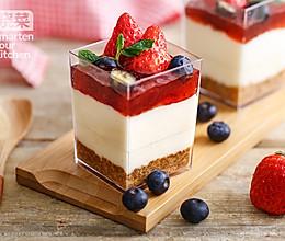 草莓乳酪杯的做法