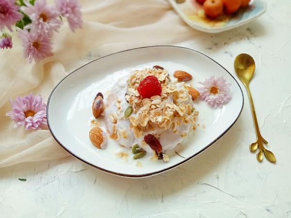酸奶红薯麦片——最省时省钱的小甜品#秋天怎么吃#的做法