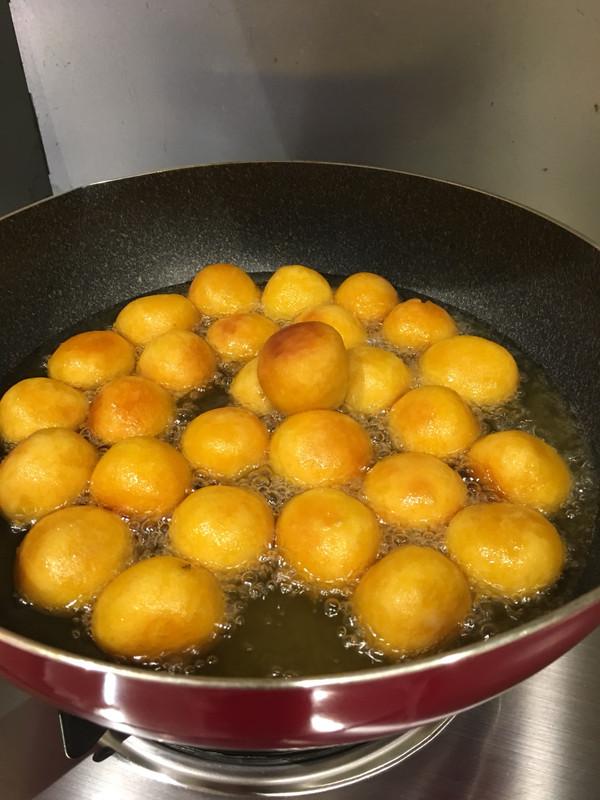 小时候最爱吃的红薯丸子 软糯香甜的做法
