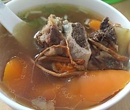 胡萝卜牛骨头汤的做法