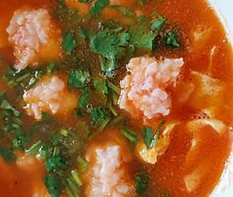 好喝到舔碗的番茄虾滑汤的做法