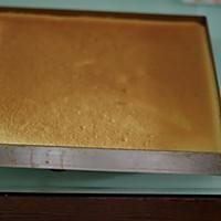 制作蛋糕卷的小窍门【芒果奶油蛋糕卷】的做法图解12