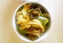 木耳腐竹炖牛腩的做法