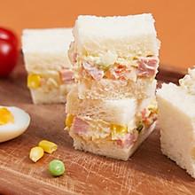 【土豆沙拉三明治】外卖50元的营养餐,在家这样做只需10元!