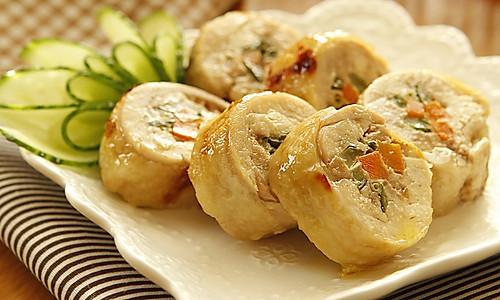 美味蔬菜鸡腿卷的做法