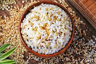 降三高减脂的糙米藜麦杂粮饭
