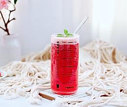 #我们约饭吧#樱桃草莓冰爽果汁的做法