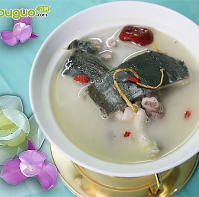 清炖甲鱼汤