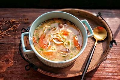 银鱼菌菇蛋花汤