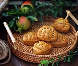 莲蓉蛋黄螃蟹月饼的做法