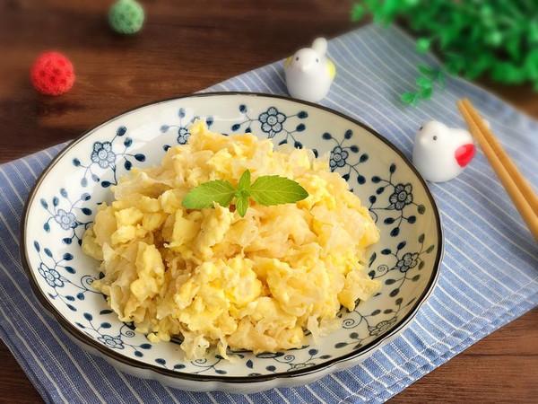 简单家常小炒 银耳炒鸡蛋的做法