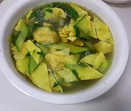 茎荠黄瓜蛋皮汤!的做法