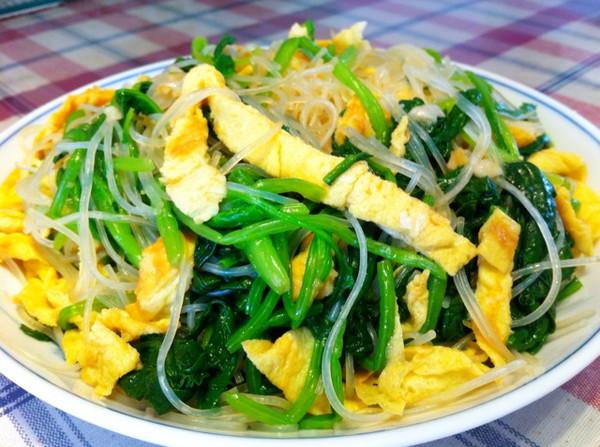 凉拌菠菜蛋皮的做法