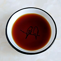 酸甜酒酱粉煎鸡的做法图解1