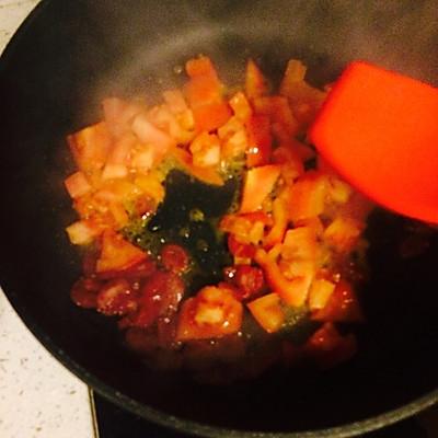 西红柿土豆茄子面的做法 步骤5