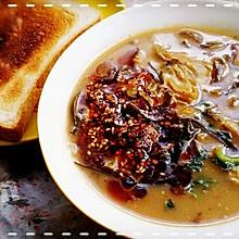 「西安人の早餐」不正宗的肉丁胡辣汤