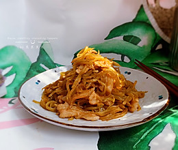 #肉食者联盟#莴苣丝炒肉的做法