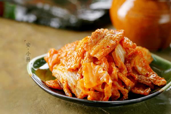 辣白菜炒五花肉,超级下饭菜的做法