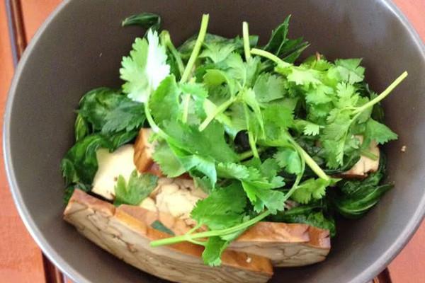 香干芹菜的做法