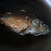 葱烤鲫鱼的做法图解4